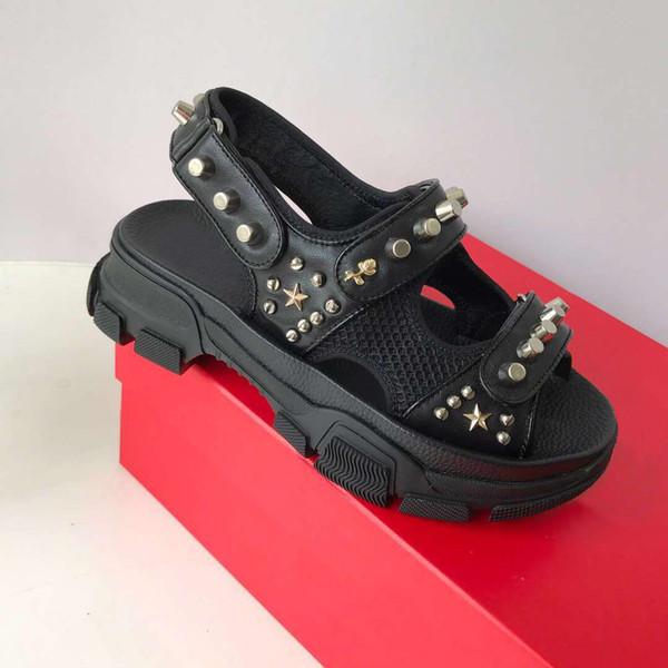 2019 rebitado sandálias de Esportes de Luxo Designer de diamante masculino e feminino sandálias de lazer moda Couro chinelos de praia ao ar livre Grande 3A A4