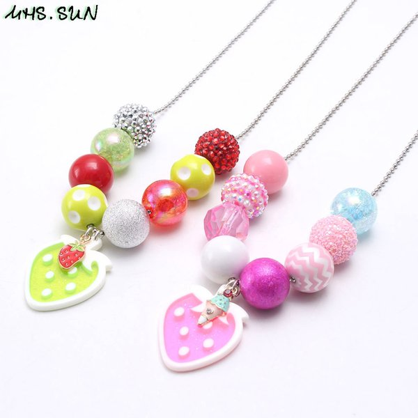 New Arrivel Sweet Strawberry Kid Chunky Necklace Beaded Chain Girls Bubblegum Beads Charm Pendant Chunky Necklace Jewelry For Children