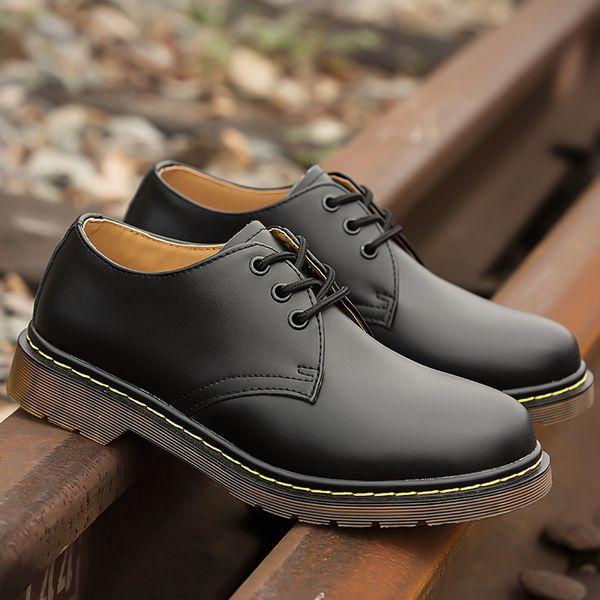 Tamaño caliente de la venta de los hombres-Botas Plus 35-46 Nueva Martens de cuero de zapatos casual Doc Martins Botas para hombre Zapatos militares Seguridad en el Trabajo