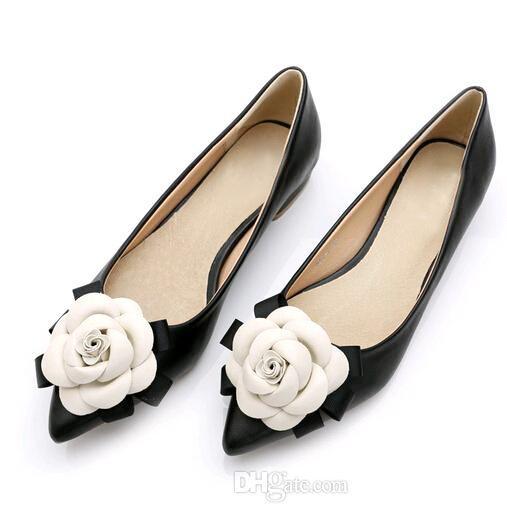Hot Sweet обувь фирменного стиля женщины повседневная обувь цветы камелии смешанные цвета мелкий рот заостренный нос плоские туфли леди одиночная обувь