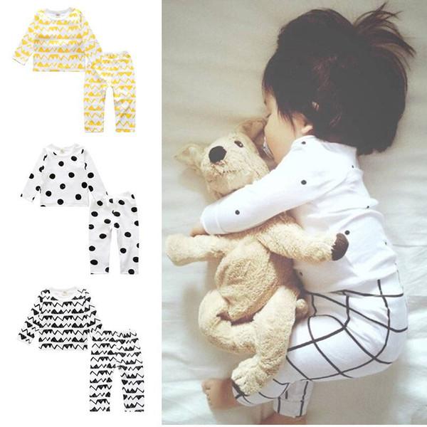 Conjuntos de ropa para niños Invierno Casual Dot Impreso Tops Pantalones Pijamas Conjuntos de dos piezas Ropa de diseñador para niños Ropa de niña 12M-3T 07