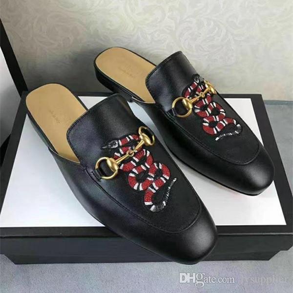 2019 nuevos hombres de la llegada zapatillas cabeza cuadrada moda de calidad superior de cuero genuino patrón de serpiente cadena de metal suela plana hombres zapatos tamaño 38-44