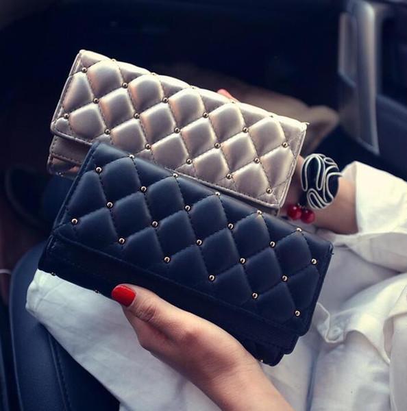 Fábrica de atacado da marca bolsa carteira de couro capa dupla personalidade mão moda feminina clássico Argyle rebite Carteira Bolsa bordado lin