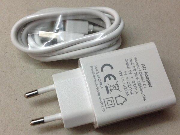 зарядное устройство и USB-кабель оба