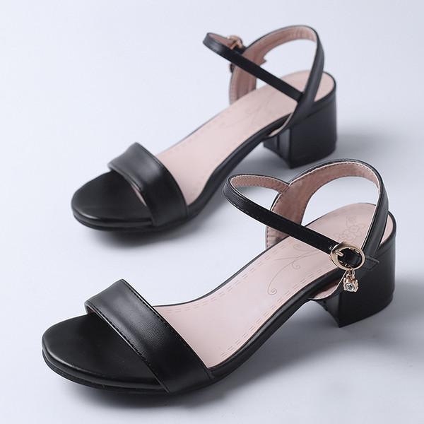 Sexy2019 Concise Toed Pé Anel Viagem Trazer Uma Palavra Sandálias Grosseiras Com Sapato Comutar Sapatos G62