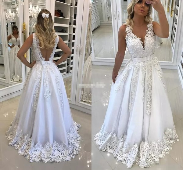 New Beautiful White Women Evening Dresses for Recepition with Bow Backless 2017 Lace Appliques Sexy V neck Prom Dress Pearls Formal Gowns