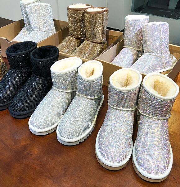18 nuevas botas cortas de invierno de piel de oveja, un diamante artificial lleno de diamantes, botas de nieve, zapatos de mujer a prueba de agua caliente en el gran tamaño