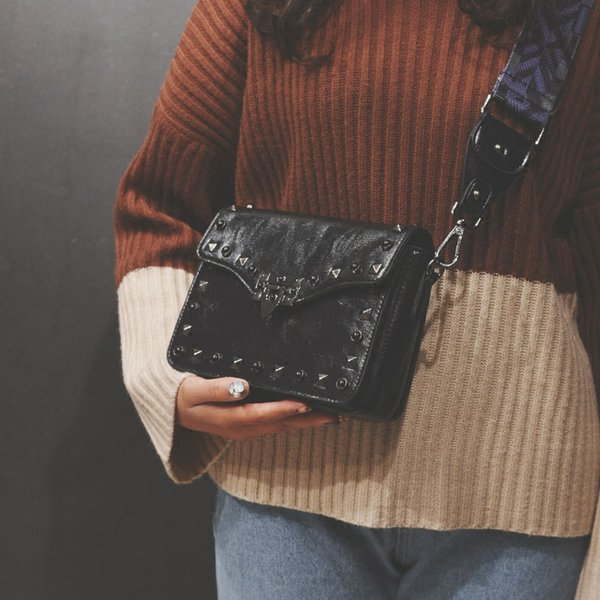 Breitband Handtasche 2019 neue Mode Niet kleine quadratische Tasche Sperre Umhängetasche Messenger Bag Clutch schwarz
