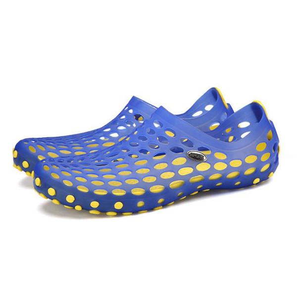 Breathable Holes Design Men Sandals EVA Anti-slip Summer Male Sandals Casual Men Flat Jelly Shoes Male Indoor/outside
