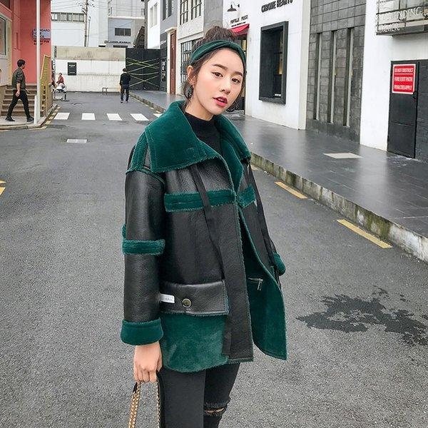 Abrigo de chaqueta de cuero de PU de las mujeres 2019 Invierno Nuevo abrigo de lana de cordero Chaqueta de cuero de bombardero corto para mujer Abrigo de PU de empalme de mujer