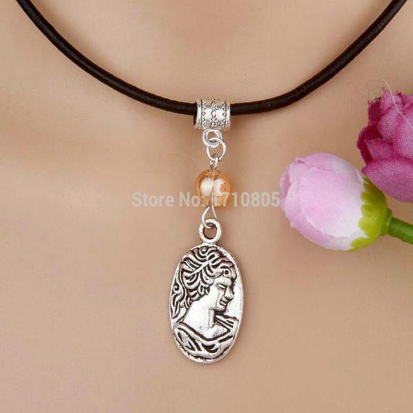 10pcs lega argento antico bellezza avatar tag multi perle di vetro pendente di fascino collana di corda di cuoio gioielli da donna regalo di San Valentino