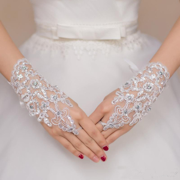 Free Shipping 2019 New Hot Sale Fashion White, Ivory Pearl Lace Wedding Bride Bridal Gloves,Ring Bracelet Wedding Accessories