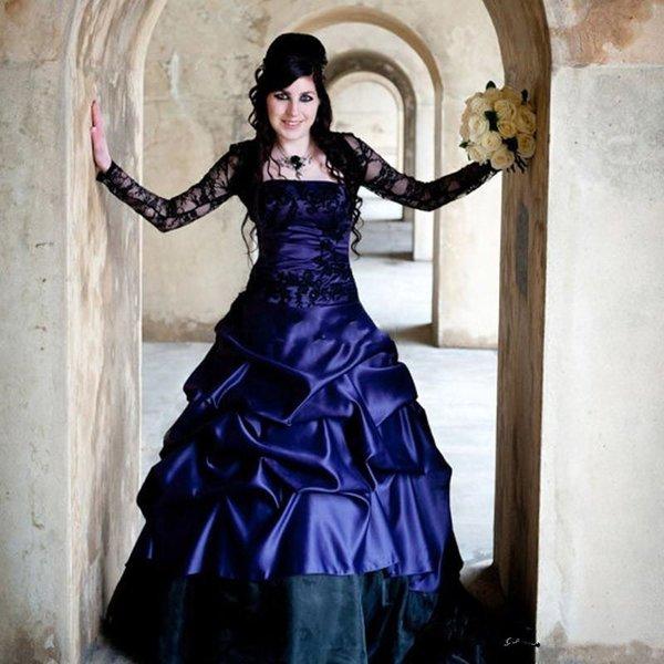 Victorian Gothic Плюс Размер с длинным рукавом свадебные платья Sexy фиолетовый и черный оборками атласная корсет без бретелек Свадебные платья плюс размер 2020