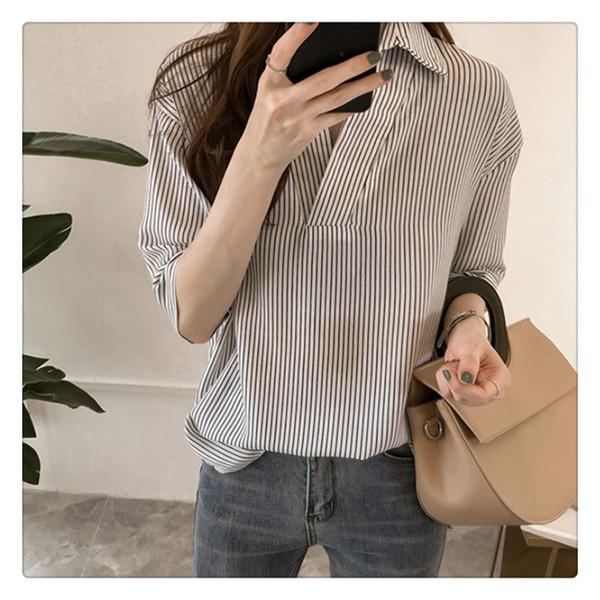 Camisa das mulheres Três Listras Da Luva Trimestre Impressão Todos Os Combinar Blusa Feminina Tops Para O Verão Confortável no Quarto de Ar-condicionado