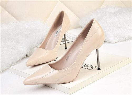2020 Fashion Luxury Christmas Women Dress Shoes High Heels Brown Red Blue Yellow Leather Party Pumps Lady Pointed Toes Wedding Shoes