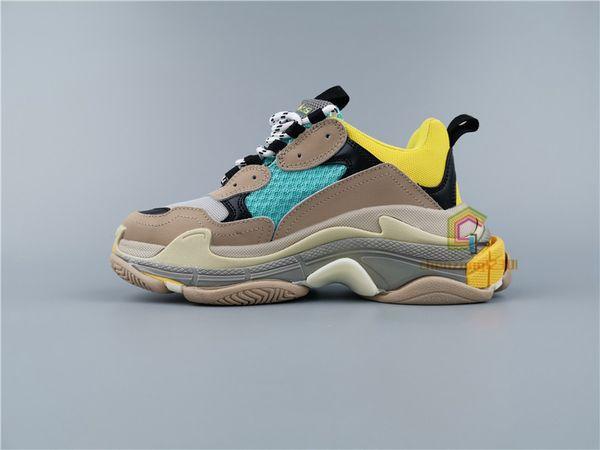 22-Unisex Shoes
