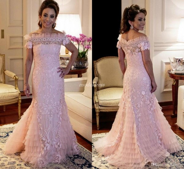 Elegant Pink Mermaid Mother Of The Bride Dresses Off Shoulder Sweep Train Tiered Appliques Ruffles Lace Women Evening Party Gowns Plus Size