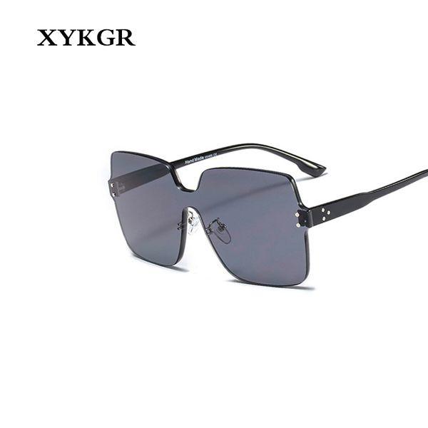 XYKGR mode lunettes de soleil couleur des lunettes de soleil de marque féminine design lunettes de soleil rouges modèles hommes et femmes lunettes carrées UV400
