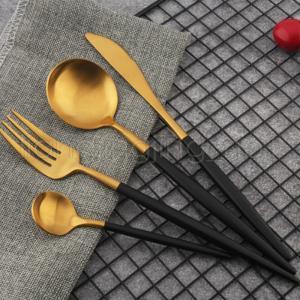 4 Unids / set Colorido Juego de Vajilla Venta Caliente 304 de Acero Inoxidable Set de Cubiertos de Cocina de Alimentos de Cocina Juego de Cena Vajilla WWA112
