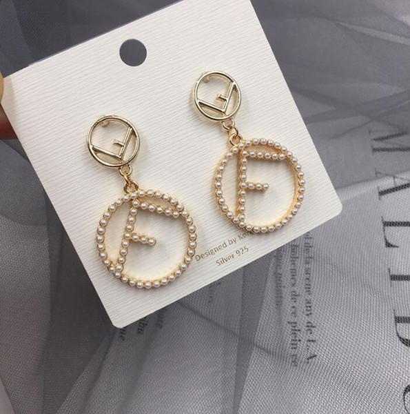 2019 NOUVELLES femmes mode avec lettre perle boucles d'oreilles avec lettre perle pendentif Dangle Lustre boucles d'oreilles Designer Jewelry
