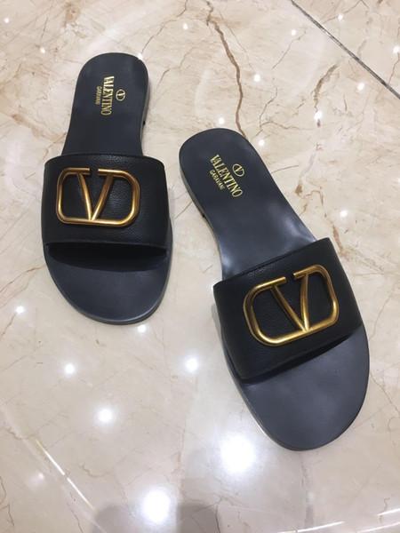 2019 Novos Homens Desliza Verão Luxurys Designers Praia Plana Marca Mulheres Sandálias Chinelos Casa Flip Flops Com Spike sandálias gg