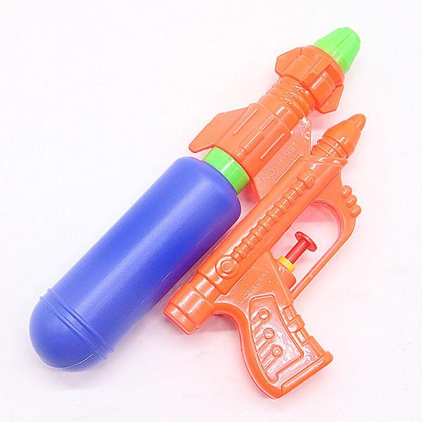 Pistola de agua para niños Nueva playa de verano que juega a los juguetes del bebé Fuente de propagación de tierra de plástico de verano al por mayor Explosión de venta caliente