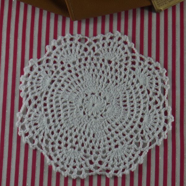 30 pcs/set, 16-17cm hand crochet doilies, White handmade table mats/centerpieces for wedding home decor