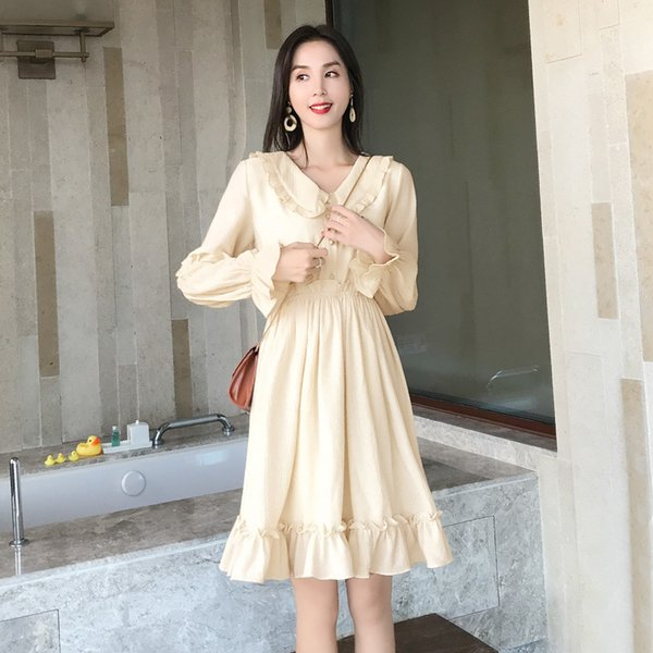Red Wind 2019 Dress Female Spring Korean Edition Fashion Women's Clothes Pure Color V Collar Long Sleeves Pleated Skirt
