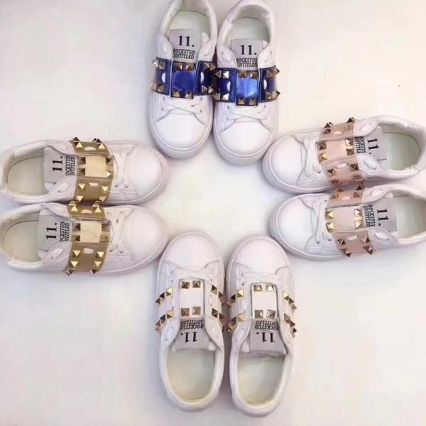 Çocuklar Ayakkabı Bahar Zarif Perçin Yay Prenses Ayakkabı Patent Deri Çocuklar Düşük topuklu Shoes Enfants Mektup Baskı Sandalet 0701