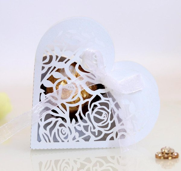 White/Ivory Heart Shaped Laser Cut Hollow Rose Candy Box Wedding Party Favors Gift Bag with Ribbon