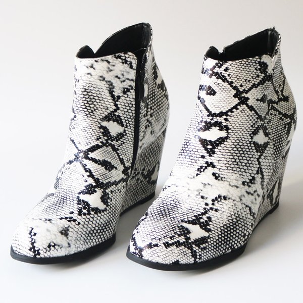 Moda Kadınlar takozları Fermuar Serpantin Baskı Kısa Patik Yuvarlak Burun Ayakkabı