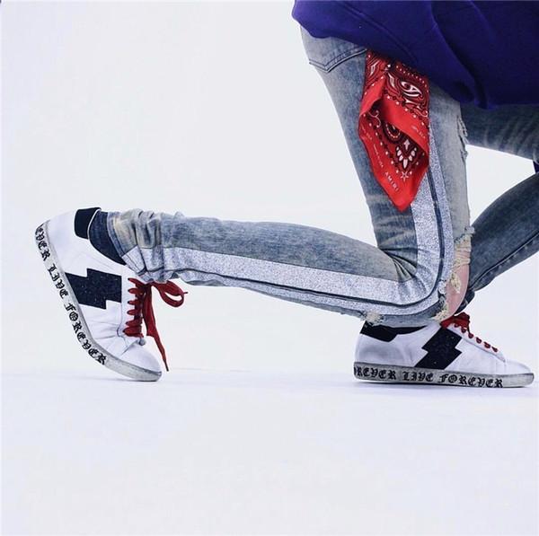 18AW Luxury Style Holes Jeans Golden Cement Color Flash Vermicelli Grain Knee Knife Holes Wash Destruction High Street Jeans HFWPKZ095