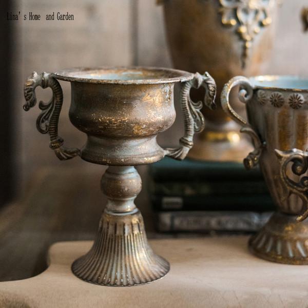 kleiner handgefertigter klassischer ditressed retro gold Blumenvase-Sockel
