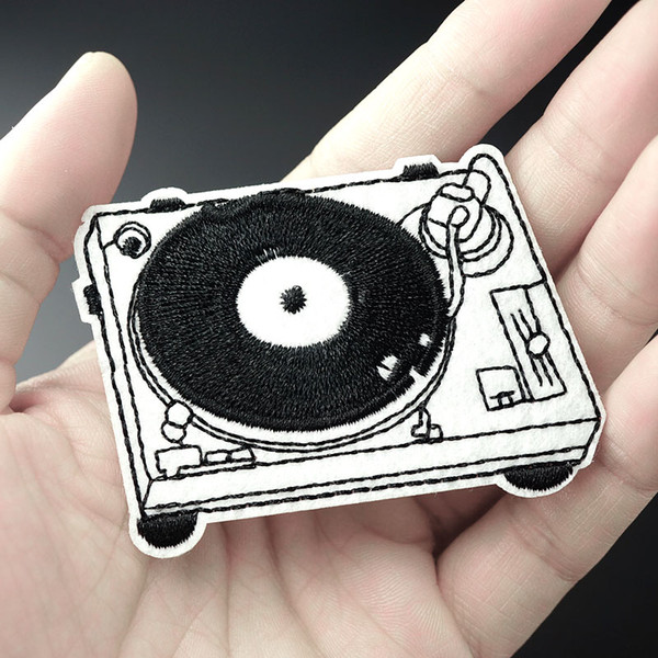 top popular Music Size:5.2x7.0cm Patch for Clothing Iron on Embroidered Sew Applique Cute Fabric Badge DIY Apparel Accessories 2021