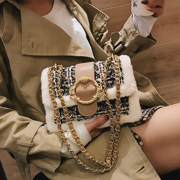 Free shipping, 2019 new woman handbag, trend wool messenger bags, fashion leisure shoulder bag, simple Korean version women bag.