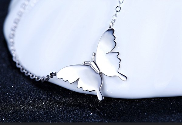 A482 white Gold necklaces