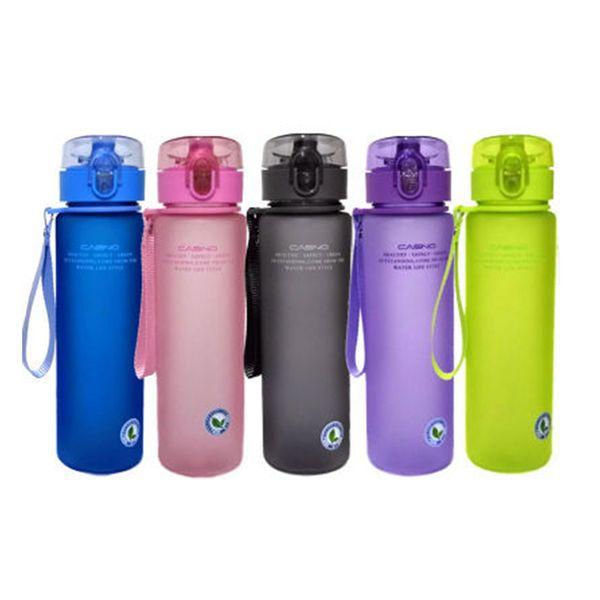 Klassische Kreative Wasserflaschen Matt PC Kunststoff Buchstaben Sport Cups Sealed Portable Tumbler 400 ml 560 ml ZZA954