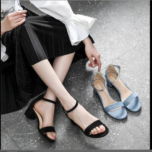 New Baitao fashion sandals with a word of buckle fairy wind