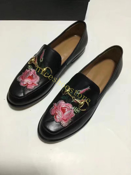 çiçek siyah deri