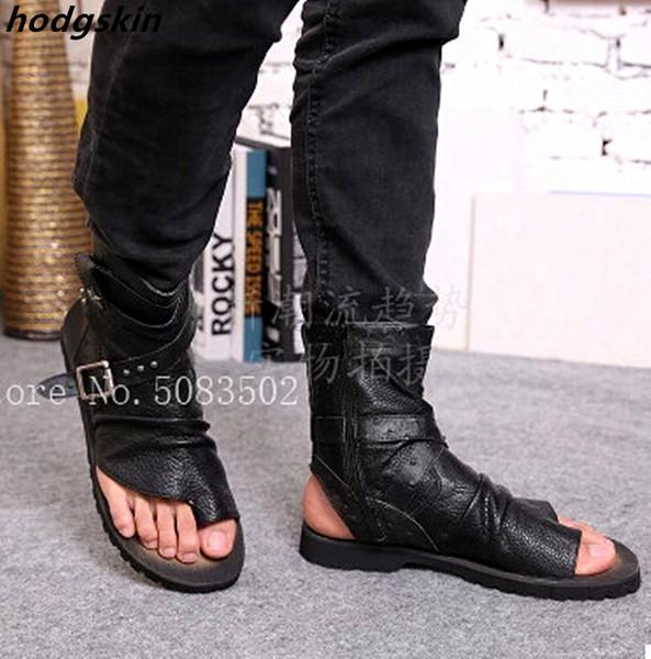 2019 Sandales gladiateur d'été en cuir véritable pour hommes Rivets Thong Chaussures Hommes Ankle Strap Designers Plage Hommes Pantoufles Bottes