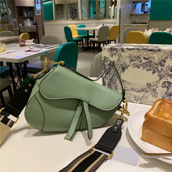 lüks kadın marka tasarımcı crossbody çanta çok renkli moda kadın tasarımcı omuz çantaları bayan çanta tasarımcısı B100542W