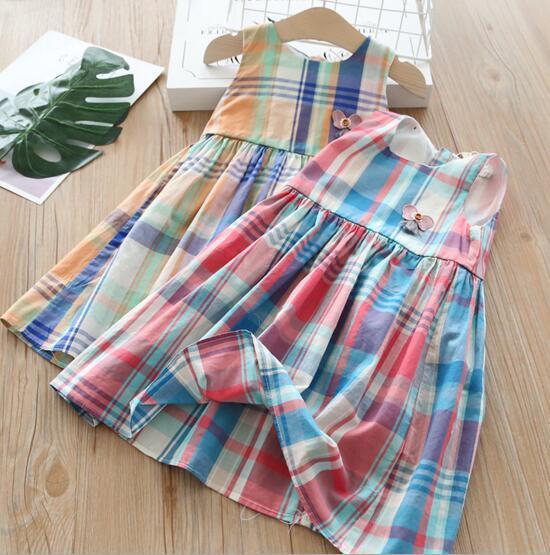 Yeni kız çocuk Giysileri Zarif elbise Yuvarlak yaka Kolsuz Ekose Baskı Ile Stereo Çiçek Tasarım kız çocuklar elbise büyüleyici k ...