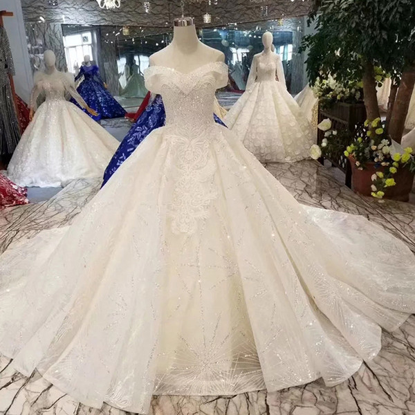 Sexy Off The Shoulder Wedding Dress With Long Train Sweetheart Short Sleeve Lace Up Back Bridal Gown 2019 With Beaded Applique Wedding Gown