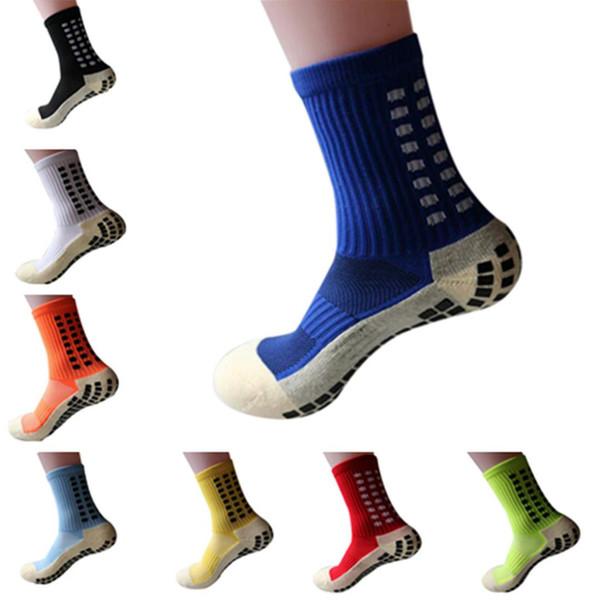 I nuovi calzini sportivi da running in cotone antiscivolo da calcio in cotone unisex assorbono il sudore