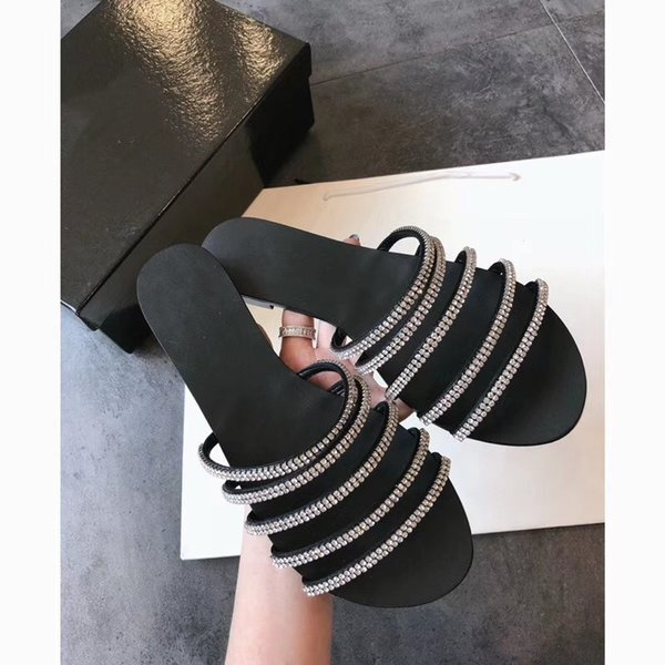 Summer New Style Woman Rhinestone Chain Flat Slippers Femal Indoor Non-Slip Peep Toe Slippers Lady Simple Street Sexy Beach Sandals