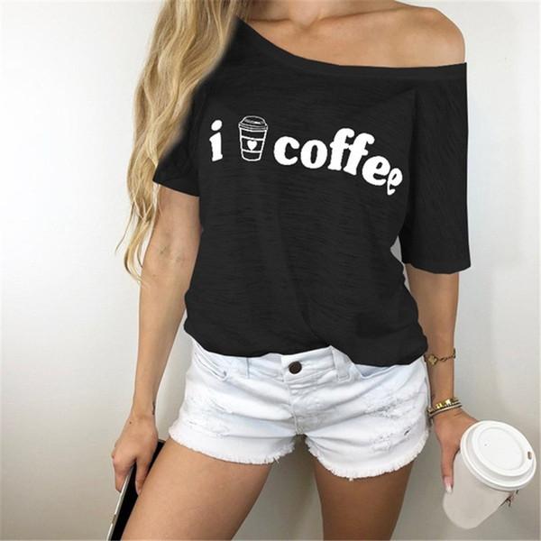 Ben kahve baskı seviyorum Kadın T gömlek Sevimli Grafik Tees Bir Kapalı Omuz Skew Yaka Rahat T-Shirt Yaz Vogue Kadın Tişörtleri