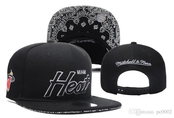 Men's M Heat New Eras Black Official Black/Red Gray Metro Snapback Team Color 9TWENTY Adjustable Hat 03