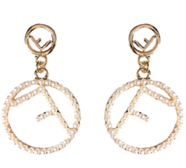 2019 moda de lujo de la perla borla larga nuevo diseñador de la marca carta pendientes accesorios de joyería para regalos de boda de las mujeres