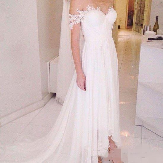 Sexy Off Shoulder Chiffon Beach Wedding Dresses Short Front Long Back Train Lace Applique Pleats High Low Bridal Formal Wedding Party Gowns