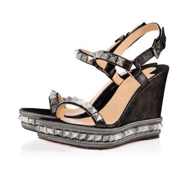 Zapatos de diseño de mujer Zapatos de tacón bajo con cuña en la parte inferior roja Cataclou Sandalias de cuero con charol dorado Tachuelas de tobillo Zapatos de fiesta Con Caja